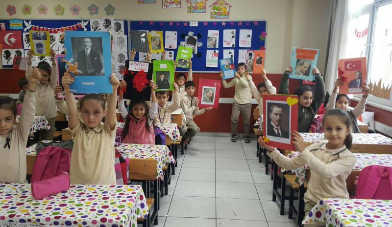 3 E Sinifi Ogrencilerinin Ataturk Albumu Calismasi Prof Dr Omer